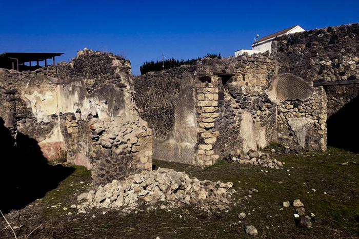 Crollo a Pompei presso la Casa del Citarista
