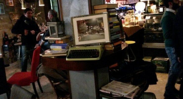 Mantova, i libri si scambiano al bar
