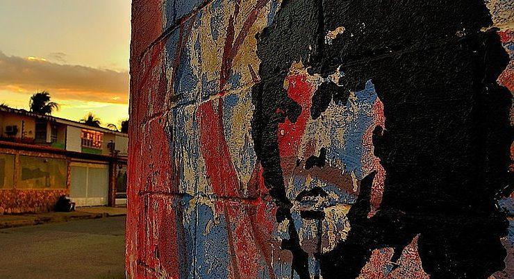 """Jim Morrison, il """"re lucertola"""" poeta del qui e ora"""