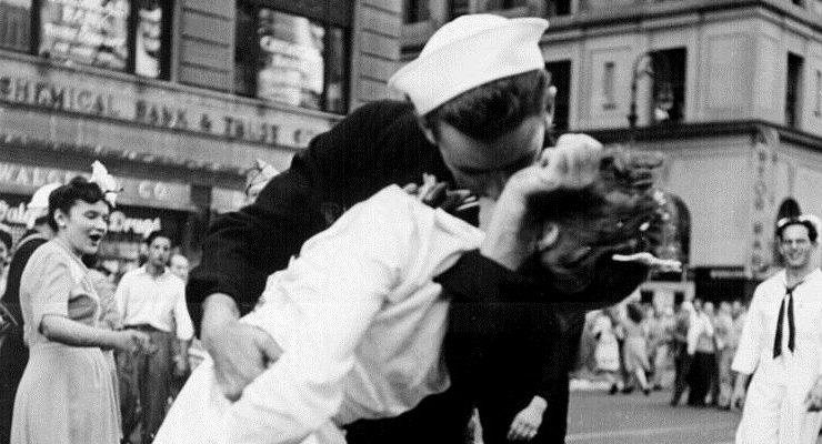 I 5 baci più belli della storia della fotografia