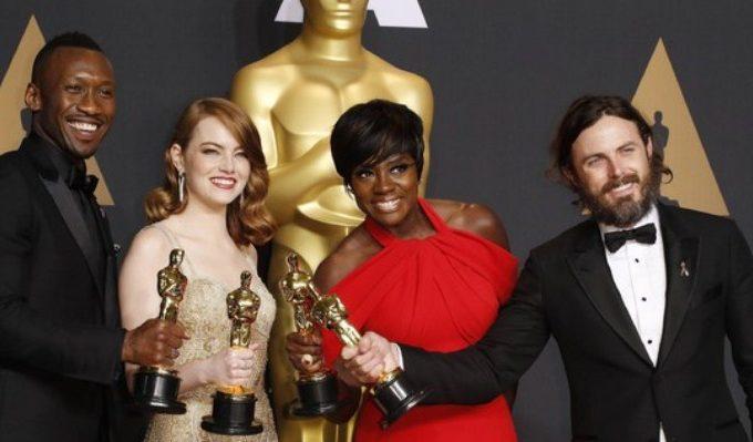 "Premi Oscar 2017, trionfano ""La La Land"" e ""Moonlight"""