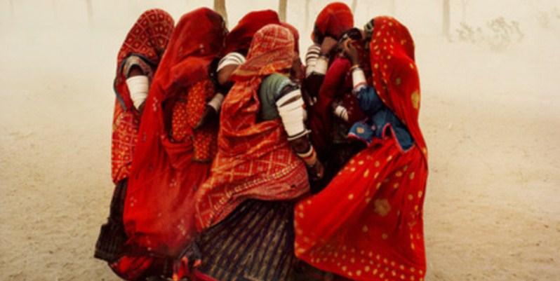 Gli scatti d'autore di Steve McCurry a confronto con la fotografia di oggi