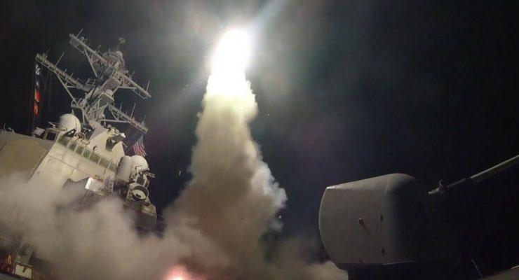 Siria, Trump lancia 59 missili da navi Usa sulla base dell'attacco chimico