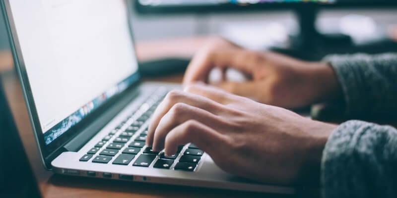 Come pubblicare un libro su internet, le 5 migliori piattaforme di selfpublishing