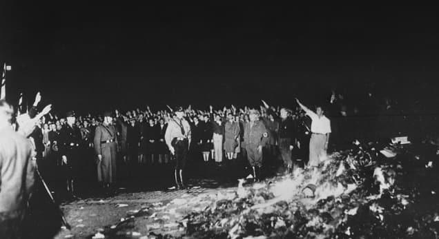 10 maggio 1933, il giorno in cui il nazismo mise al rogo la cultura