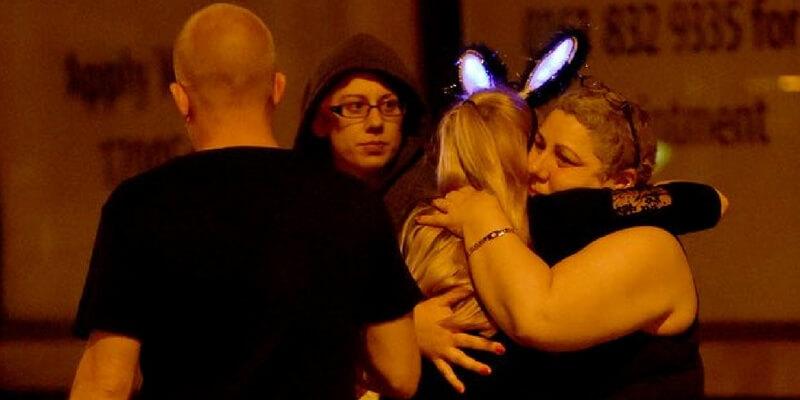 Manchester, 22 morti in un attacco suicida al concerto di Ariana Grande