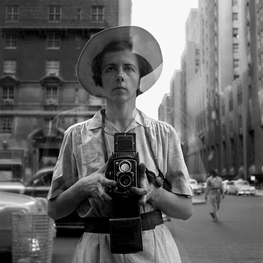 © Vivian Maier/Maloof Collection, Courtesy Howard Greenberg Gallery, New York.Vivian Maier - New York, 10 settembre, 1955.