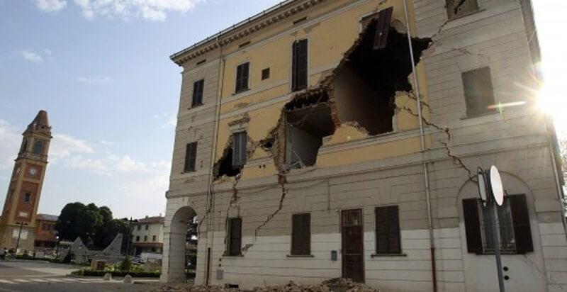 MIUR, testi gratuiti alle scuole colpite dal terremoto