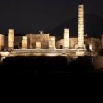 Pompei illuminata torna a vivere di notte