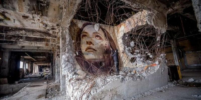 I murales dell'artista Rone nei luoghi abbandonati