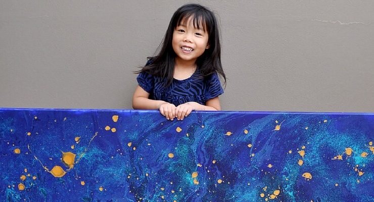 Cassie Swirls, la bambina che fa beneficenza con la sua arte