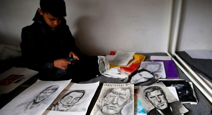 La storia di Farhad, il piccolo Picasso in fuga dall'Afghanistan