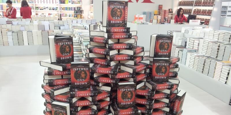 """Effetto """"Dan Brown"""", come l'uscita di un bestseller risveglia la curiosità della gente"""