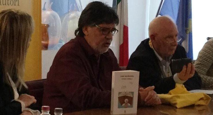 """Luis Sepùlveda, """"La mia vera patria è la lingua"""""""