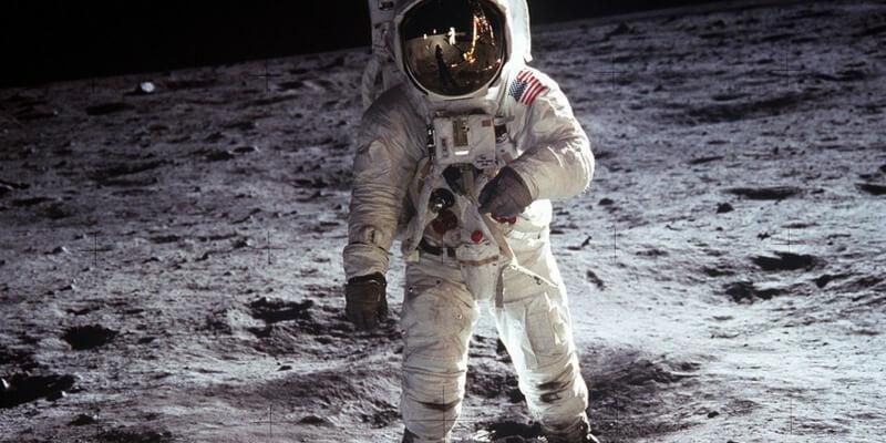 A Milano la mostra che ripercorre lo sbarco sulla luna
