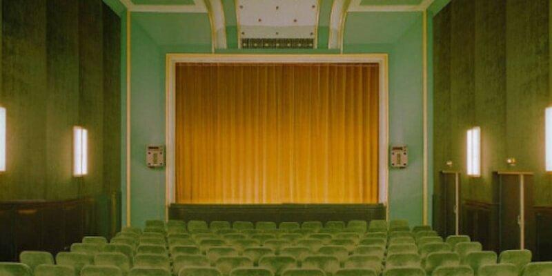 Le foto di luoghi reali che sembrano appartenere a un film di Wes Anderson