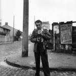 Robert Doisneau. Pescatore d'immagini | Robert Doisneau, Autoportrait Robert Doisneau, 1949 @ Atelier Robert Doisneau