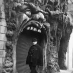 Robert Doisneau. Pescatore d'immagini | Robert Doisneau, L'enfer, Paris 1952 @ Atelier Robert Doisneau