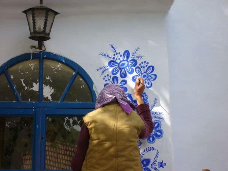 Agnes-Kasparkova-louka-painted-houses-7