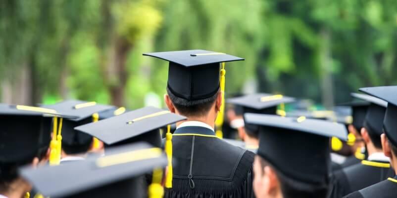 Istruzione, laureati italiani in diminuzione e bistrattati