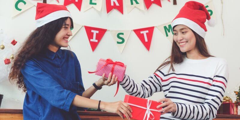 Natale, le idee regalo da fare ad un'amica amante della cultura