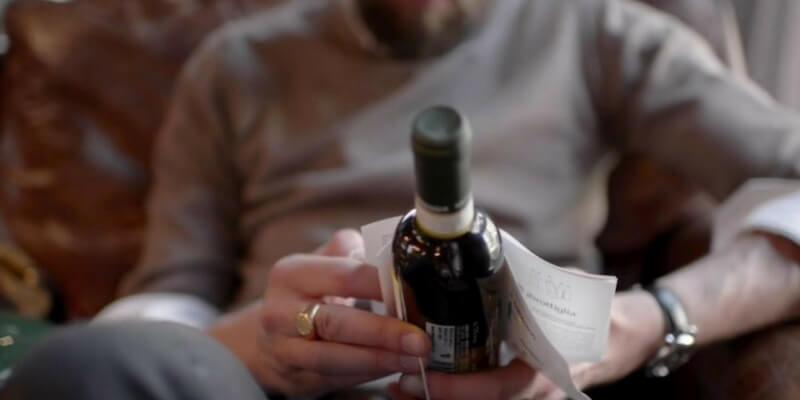 I racconti utilizzati come etichette sulle bottiglie di vino