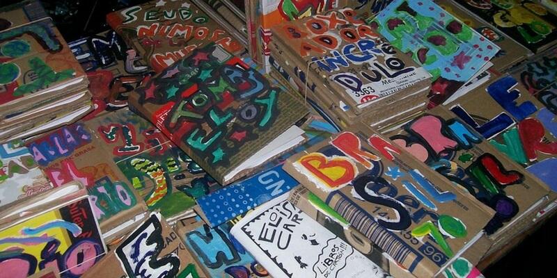 Il riciclo dei libri di cartone per salvare la cultura in Sudamerica