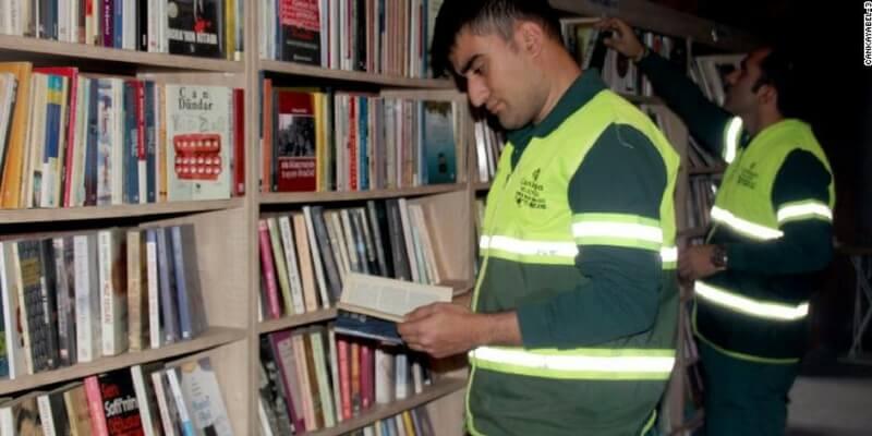 La biblioteca ad Ankara creata con i libri raccolti dai netturbini
