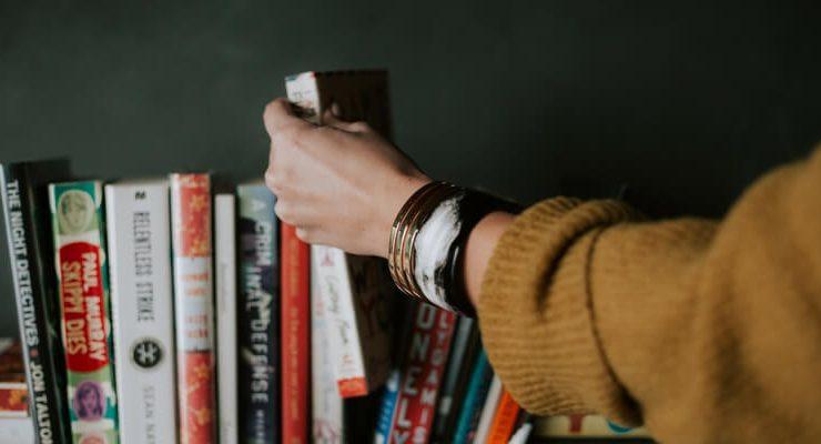 5 consigli per sbarazzarti dei libri in eccesso
