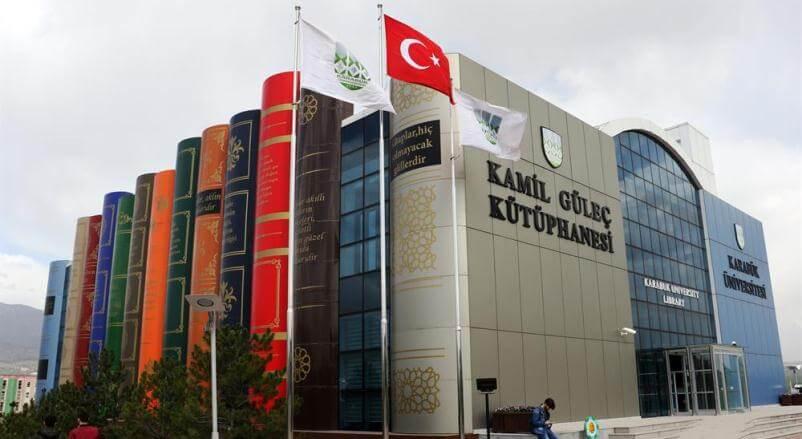 Turchia, la biblioteca dalla struttura a forma di libro