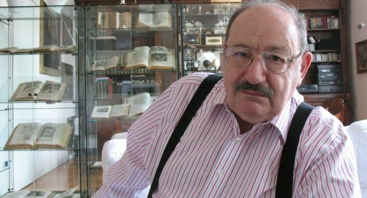 La collezione di libri di Umberto Eco contesa tra Milano e Bologna