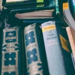 Giornata mondiale del libro, gli italiani leggono usato