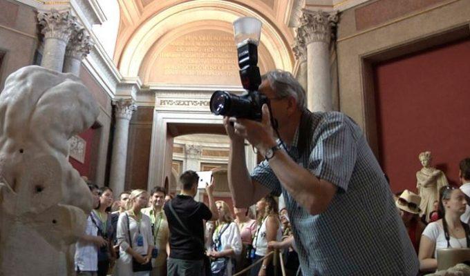 """""""In piena luce"""", a Milano la mostra fotografica alla scoperta dei musei vaticani"""