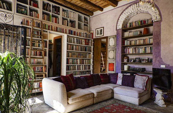 10 case vacanze da tutto il mondo per gli amanti dei libri for Mobili villa milano
