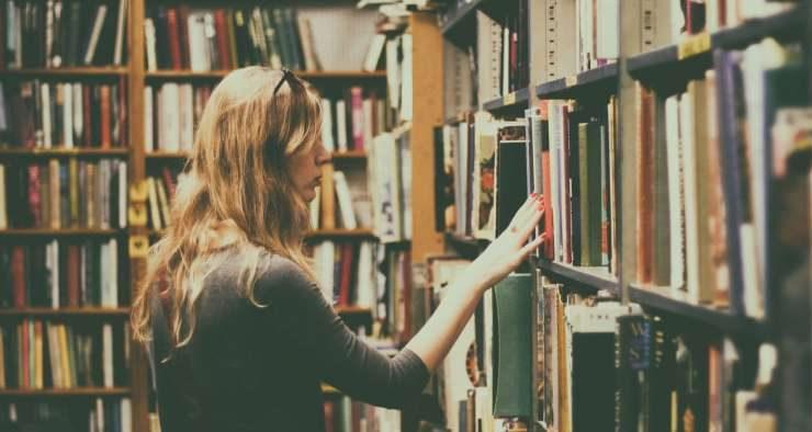 7 segnali che ti rendono un vero amante delle biblioteche
