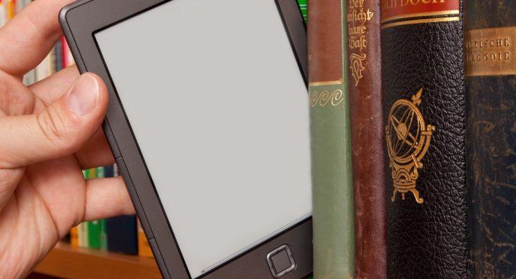 Compie 20 anni IBS.it , ecco gli autori ed i libri più letti online