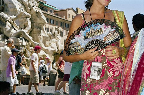 4.Piazza Navona, 2005. © Martin Parr/Magnum Photos.