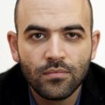 """""""Vivere sotto scorta è una tragedia"""", la replica di Roberto Saviano a Matteo Salvini"""