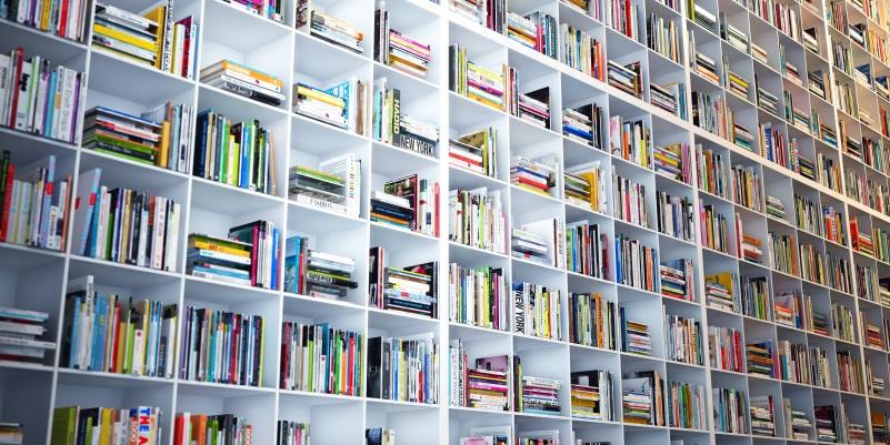 5 consigli per sopravvivere all accumulo di libri in casa
