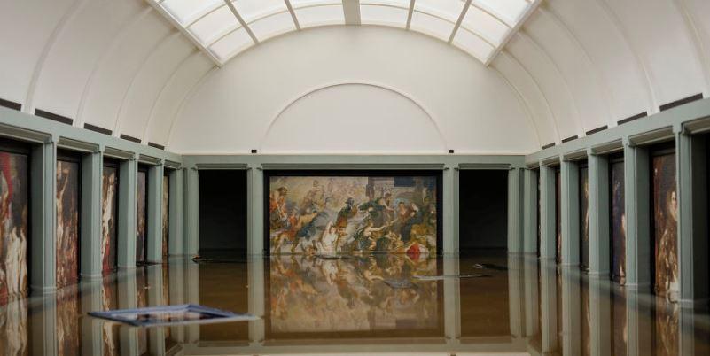 Artista Tezi Gabunia allaga il Louvre