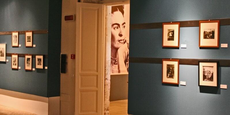 """La rivoluzionaria"" Frida Kahlo in mostra a Noto"