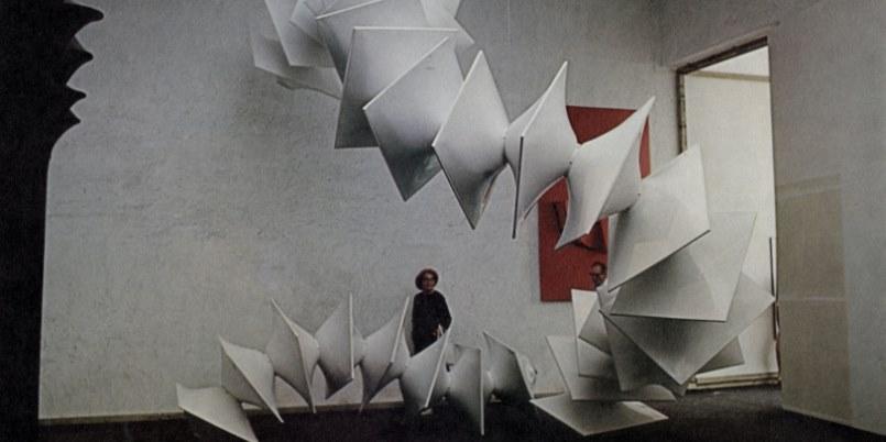 L'astrattismo di Bonalumi in mostra a Milano