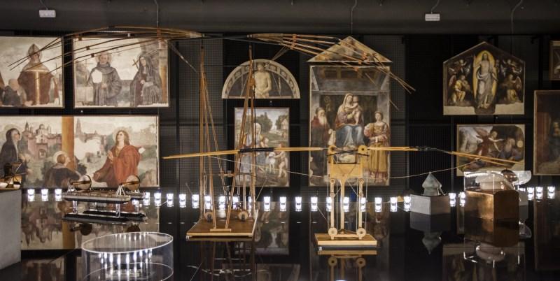 Milano inaugura la Leonardo da Vinci Parade