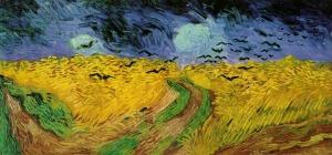 Campo di grano con voli di corvo