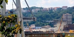 Crollo ponte Morandi, gli editori doneranno i libri di testo agli alunni delle famiglie colpite