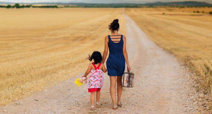 """Claudia De Lillo, """"E' difficile oggi essere madri e donne senza rinunce"""""""
