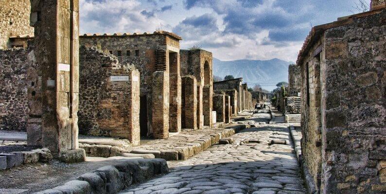 """Nuovo ritrovamento a Pompei, riemerge la """"stanza delle meraviglie"""""""