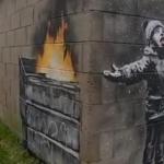 Il nuovo graffito di Banksy denuncia l'inquinamento