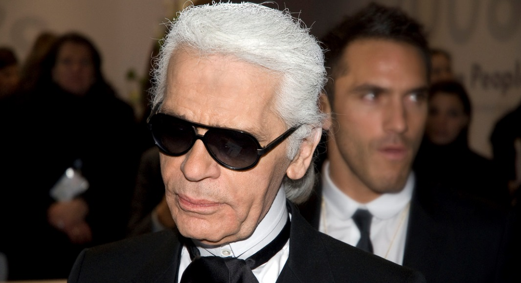 Morto lo stilista e fotografo Karl Lagerfeld
