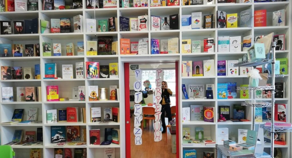 """Sognalibro, la prima libreria motivazionale dove """"le parole ti vengono a cercare"""""""
